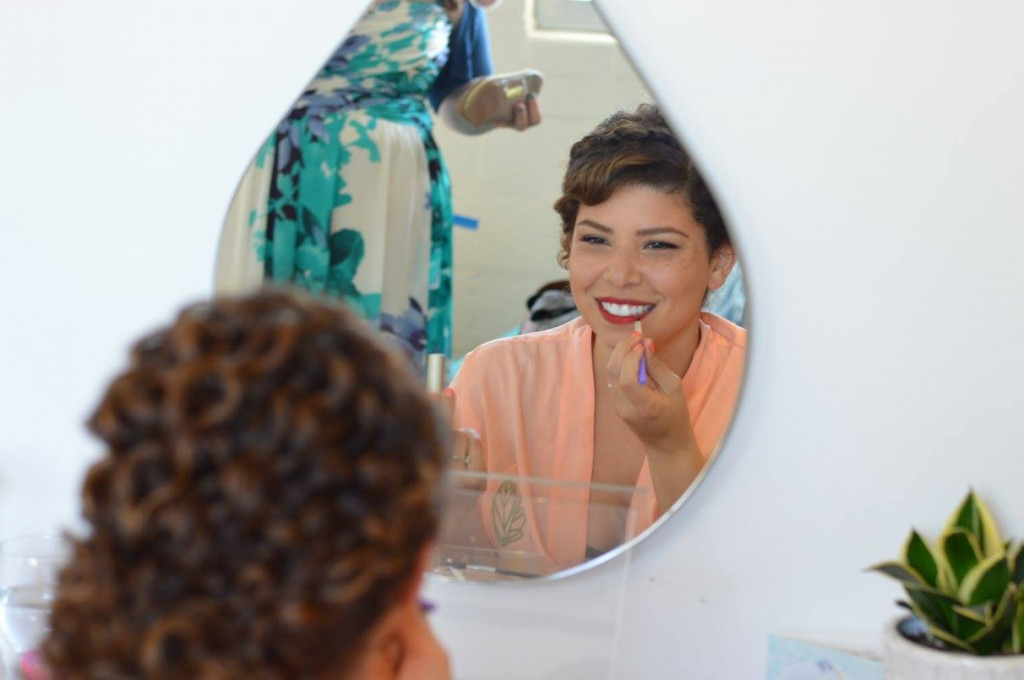 Doing Your Own Wedding Makeup Tips : Tips for Doing Your Own Wedding Makeup May Day Glow