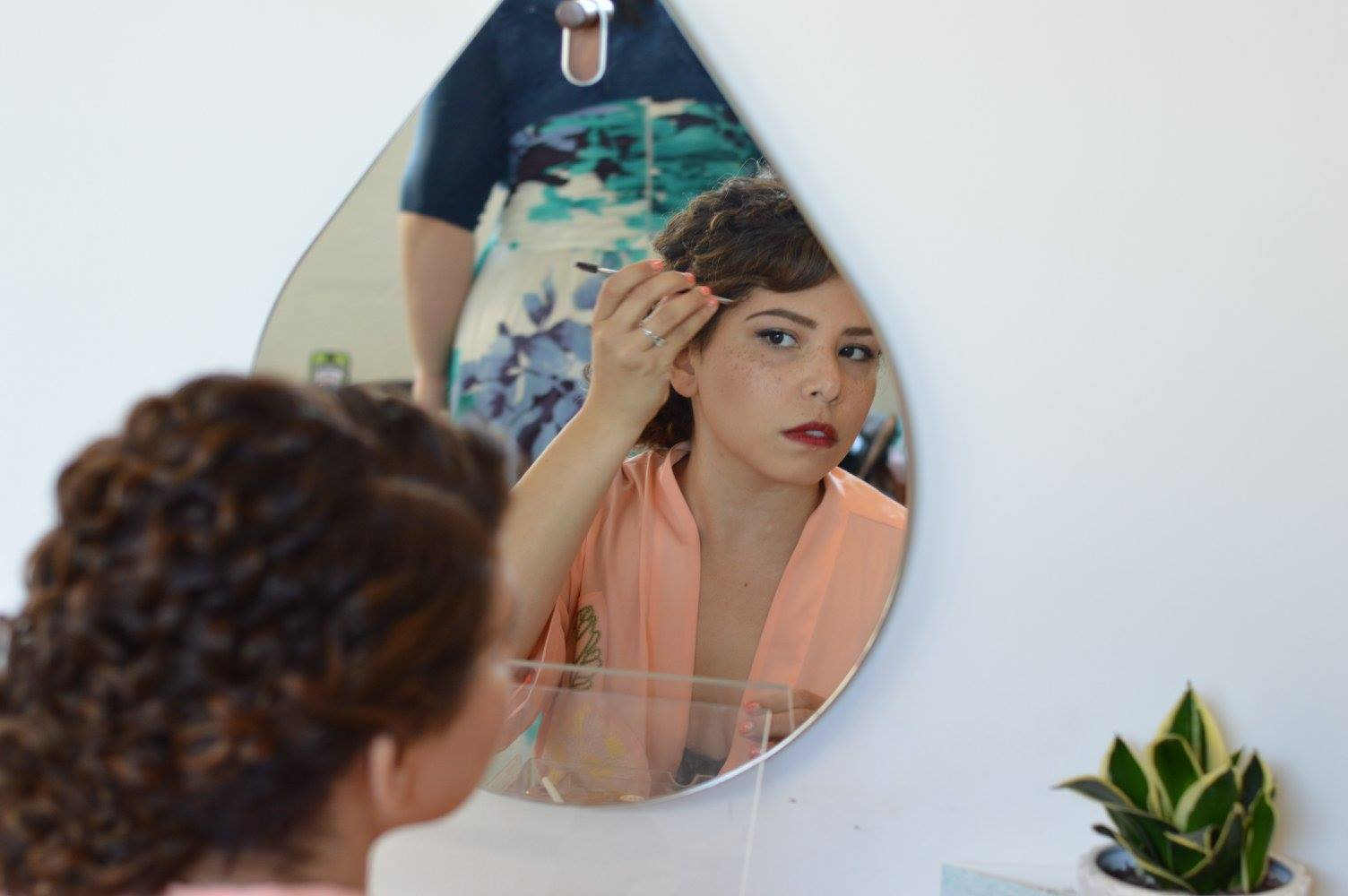 Doing My Own Wedding Makeup Suggestions : Tips for Doing Your Own Wedding Makeup May Day Glow
